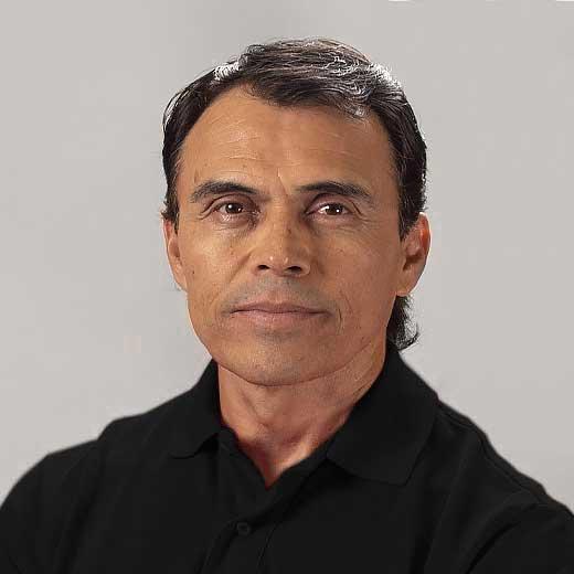 https://matadors.nvausa.com/wp-content/uploads/2020/09/Cesar-Estrada-03.jpg